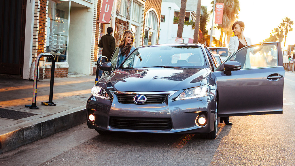 Lexus in Venice, CA